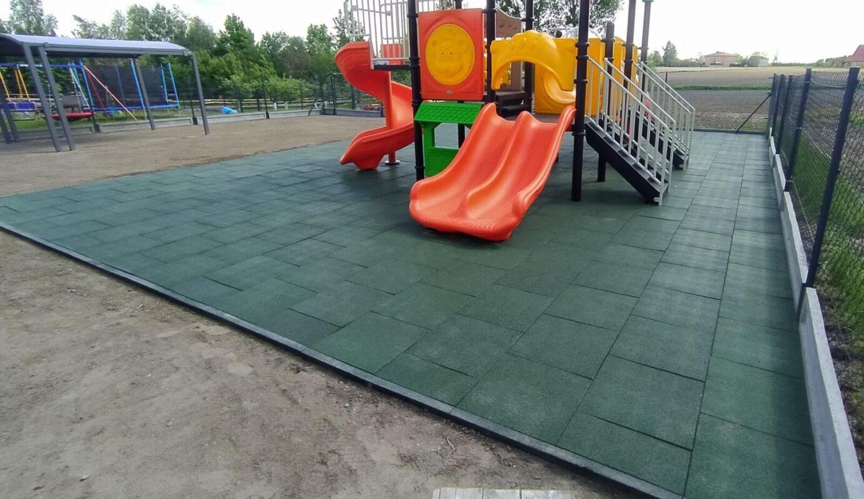 Przedszkolny plac zabaw - Kowal